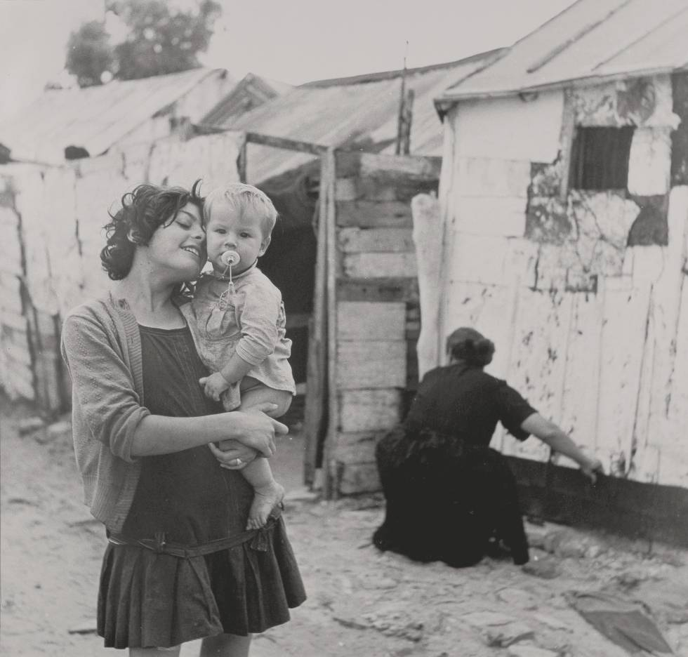 Escena en un asentamiento chabolista en Cádiz.