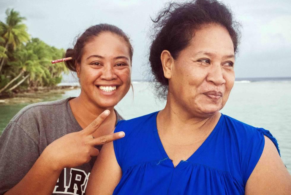 Mujeres de Kapingamarangi.