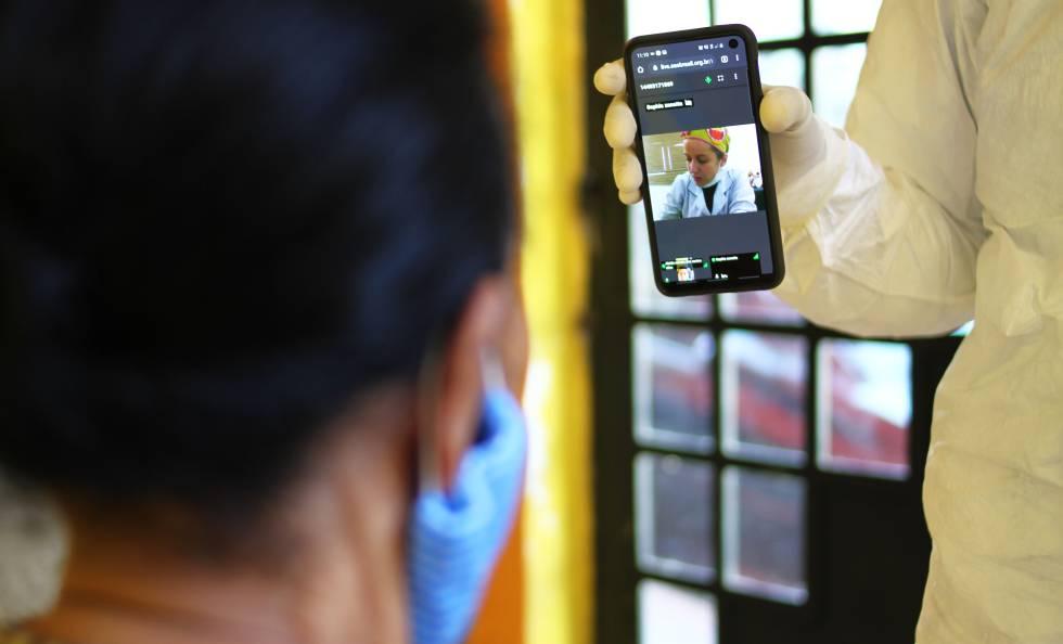 Teleconsulta con la doctora  Sophia Zanatta, oftalmóloga; una de las 14 especialidades de la telemedicina del SAS Brasil.