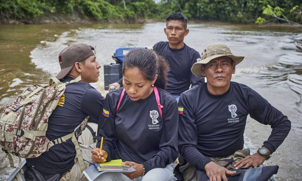 Integrantes de la G.I.A. durante una recorrida de rutina por el río Amacayacu, cerca de la comunidad de San Martín. Pincha en la imagen para ver la fotogalería.