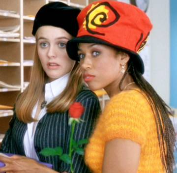 Peacock, el nuevo servicio de streaming de la NBC, prepara una nueva versión de 'Fuera de onda', pero esta vez en forma de serie y centrada en torno al personaje de Dionne, que en la película interpretaba Stacey Dash (a la derecha en la imagen).