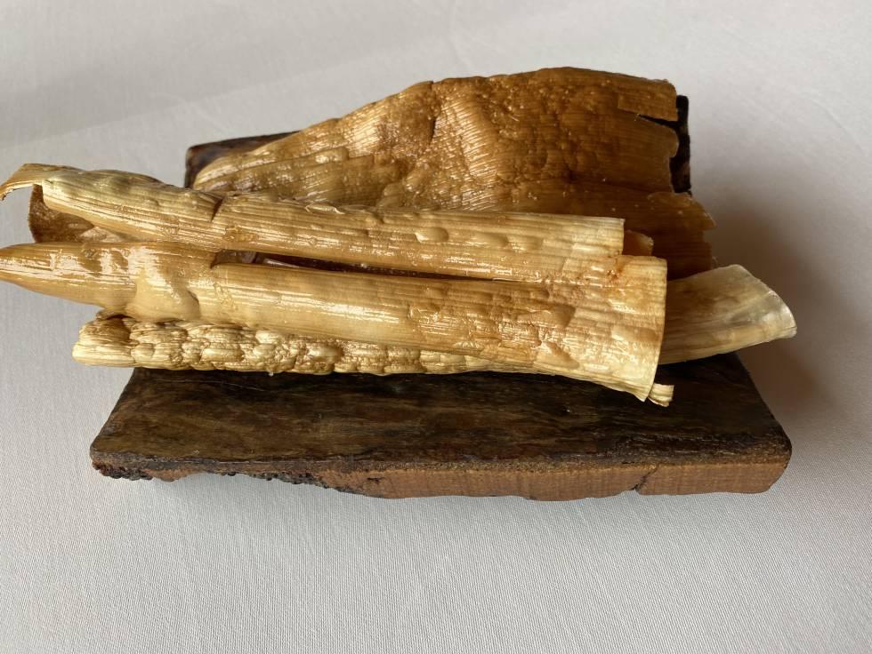 Cortezas elaboradas con hojas de puerros. J.C. CAPEL