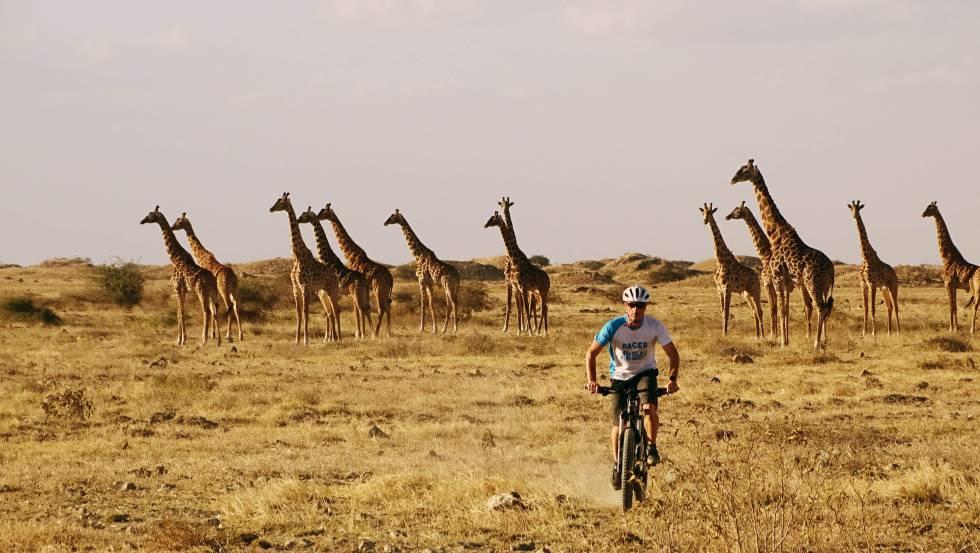Safari en bicicleta alrededor de Ndinyika, un pueblo ubicado en West Kilimanjaro.