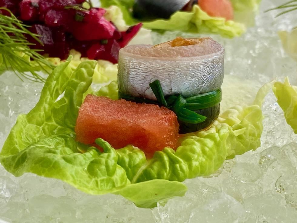 Lomos de sardinas limpios, al natural sobre jugo de ají amarillo y zumo de naranja. J.C. CAPEL