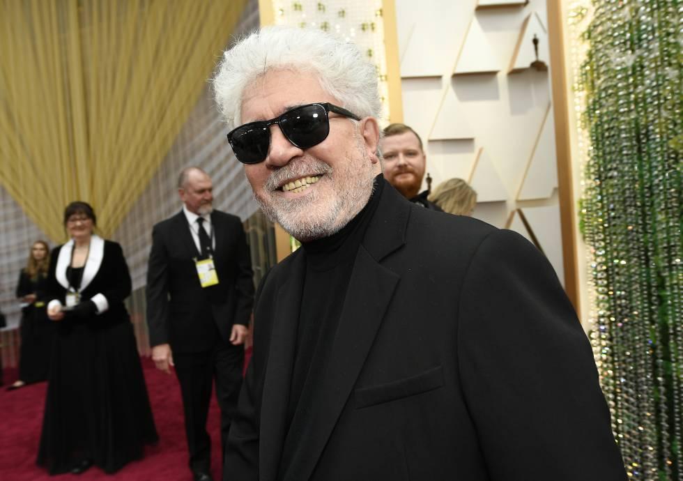 Jersey de cuello vuelto y traje a juego para acudir a los Oscar de este año.