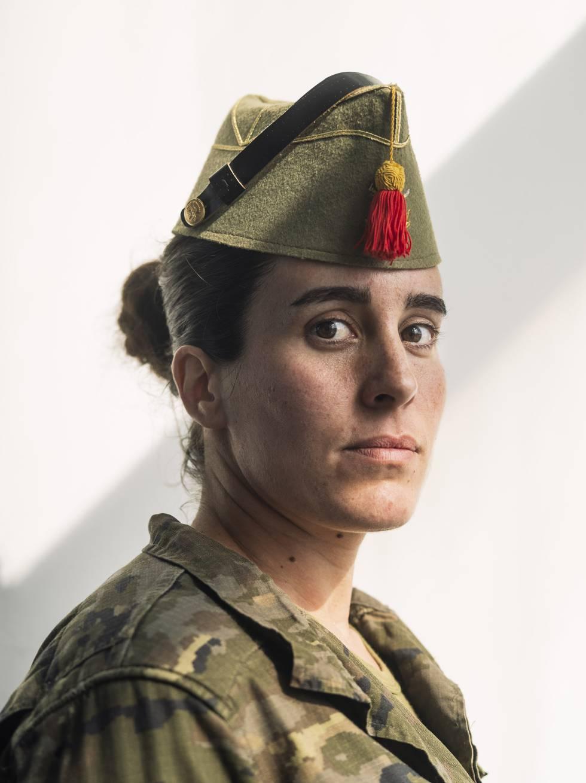La sargento Auxiliadora Retamero, de 30 años. Las mujeres representan el 8,5% en la unidad.