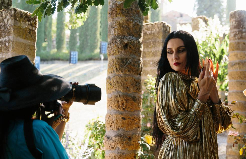 Susie Cave, en La Scarzuola, Montegabbione (Terni), Italia, donde se realizó el rodaje de la campaña de Gucci Bloom.