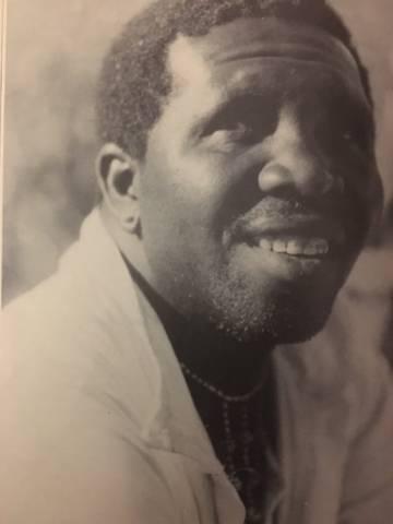 Mandlenkosi Makhoba hace 40 años.
