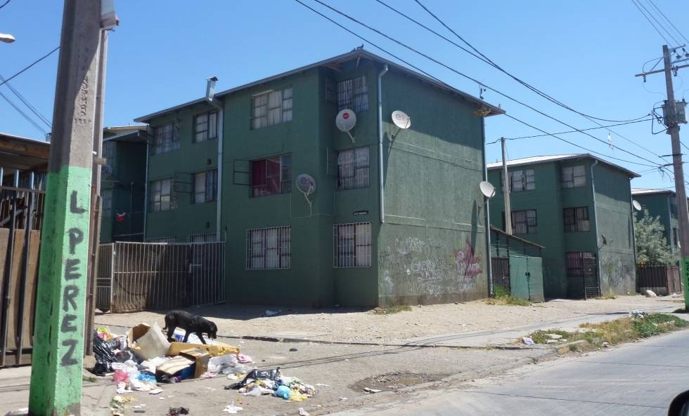 Bloques de vivienda social en la Comuna de Puente Alto, al Sur del Gran Santiago, Chile.