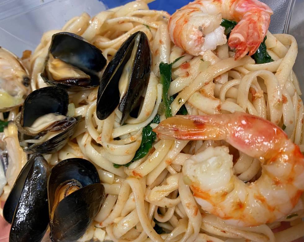 Espaguetis con mariscos. J.C. CAPEL