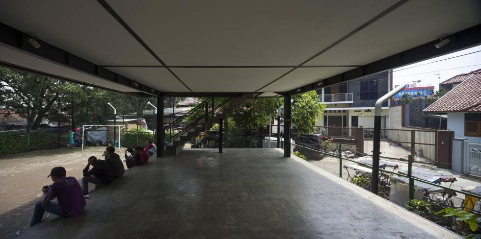 Lingkungan komunitas lama tempat perpustakaan dibangun.