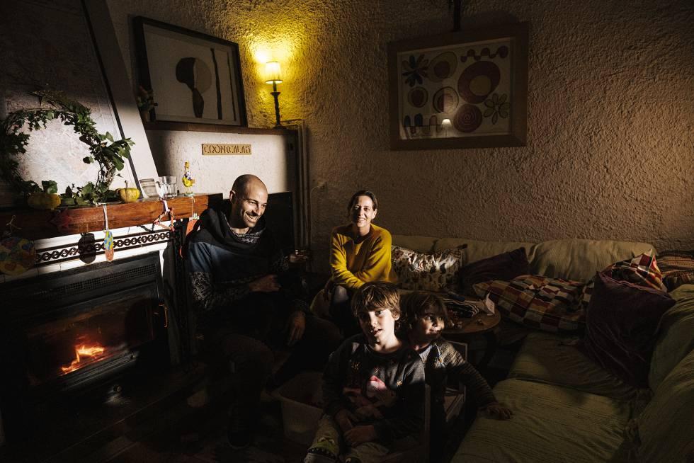Julio Albarrán y Ana Moreno con sus hijos Tomé y Carola en Arboleya.