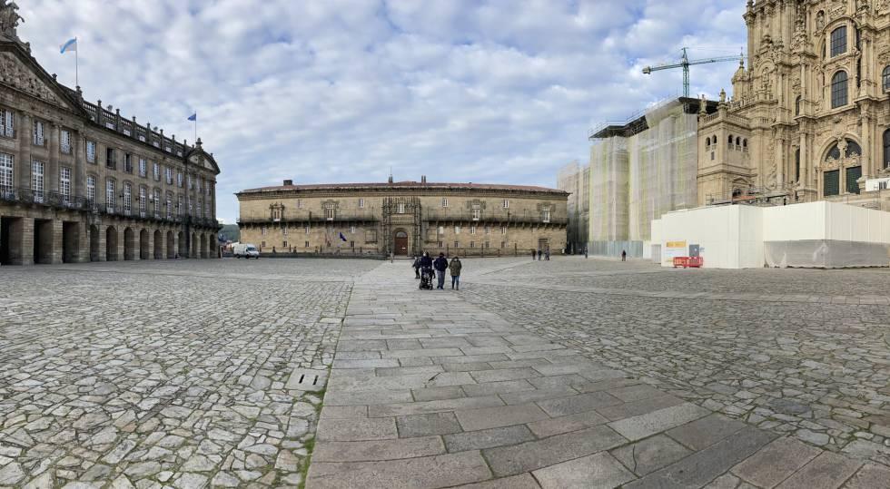 Una imagen insólita, la plaza del Obradorio, en Santiago de Compostela, sin peregrinos, en diciembre de 2020.