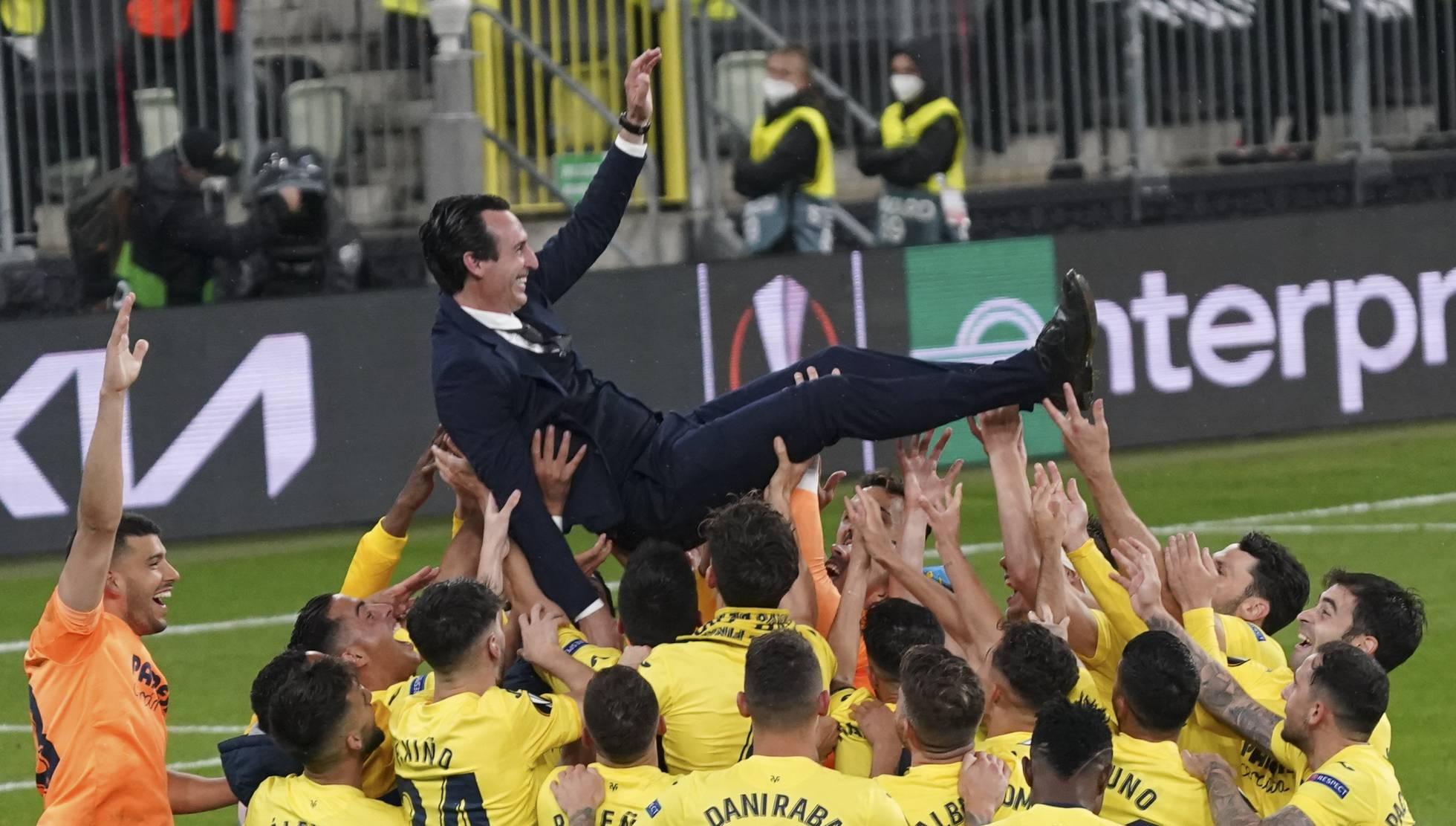 El Villarreal toca el cielo en una tanda de penaltis en el que el fallo de De Gea da el título a los amarillos de Emery.