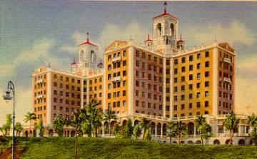 Postal del hotel Nacional en los años treinta, poco después de la inauguración del establecimiento.
