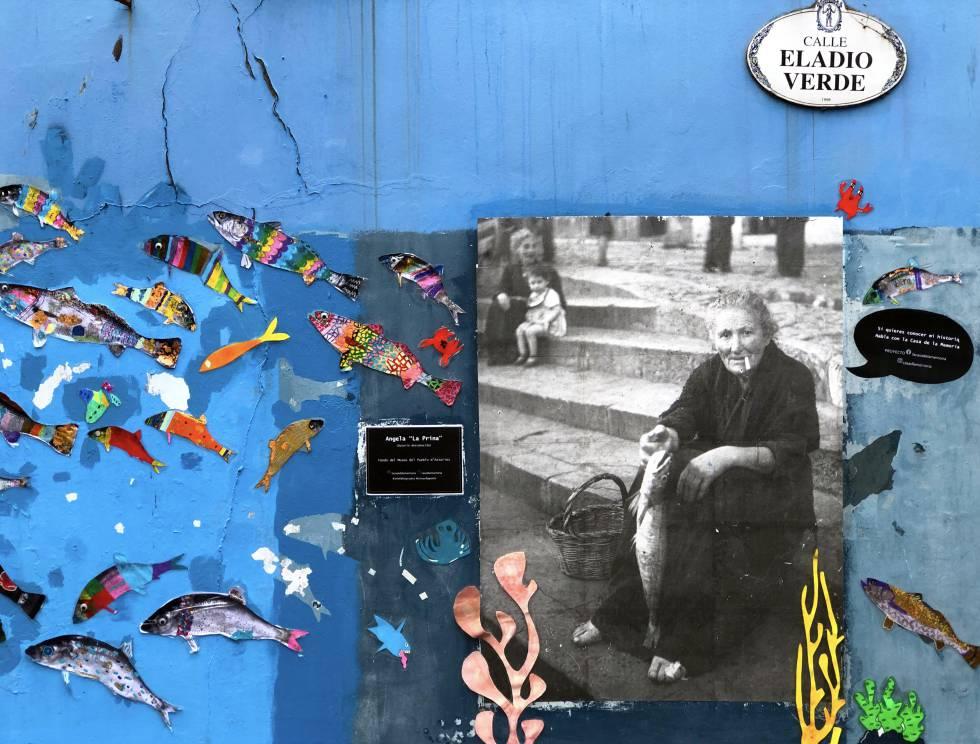 Mural con foto de Ángela,