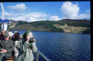 Barco turístico en el Lago Ness.