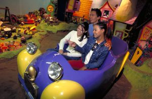 Visitors on the Cadbury World tour in Bournville (England).