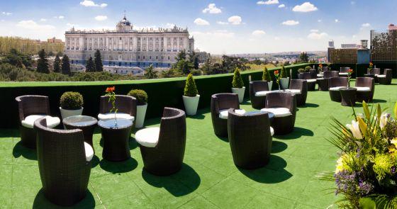 Jardines de sabatini vistas madrile as al palacio real for Restaurante jardines de sabatini