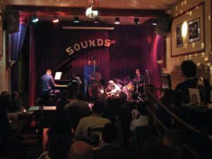 El escenario de Sounds Jazz Club, en Bruselas.