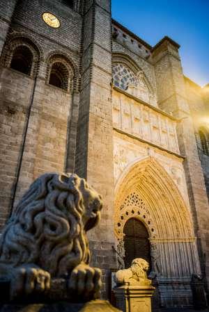 Portada de la Catedral de Ávila.