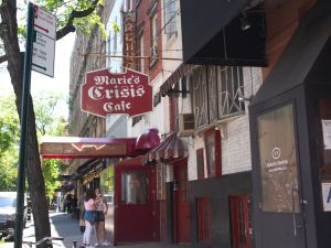 Bar Marie's Crisis, em Manhattan (Nova York).