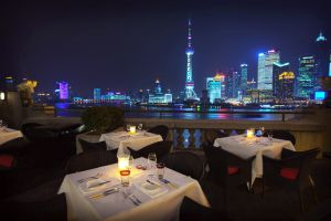 Terraza del restaurante M on the Bund, en Shanghái.