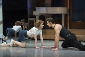 Los protagonistas del musical 'Dirty Dancing'.