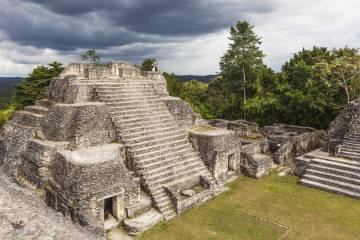 Ruinas mayas de Caracol, en Belice.