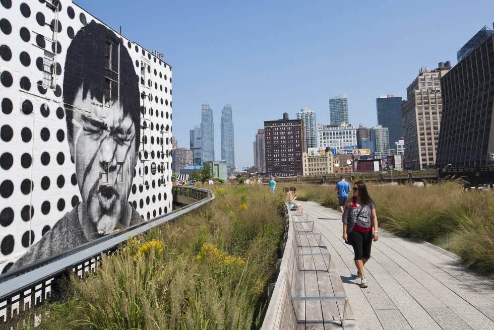 Paseando por la High Line, en Manhattan (Nueva York).