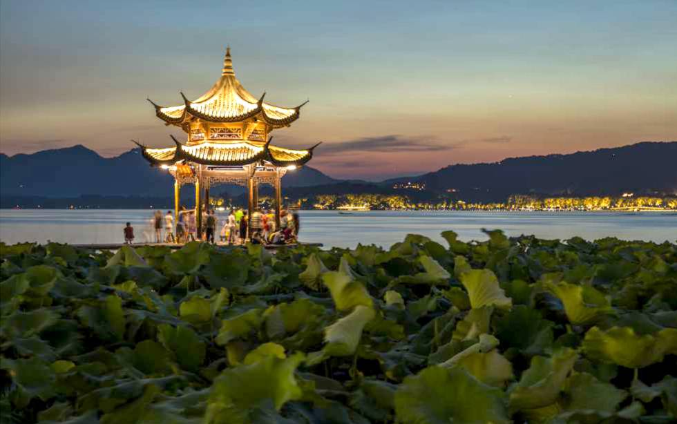 Hangzhou, a orillas del Lago del Oeste