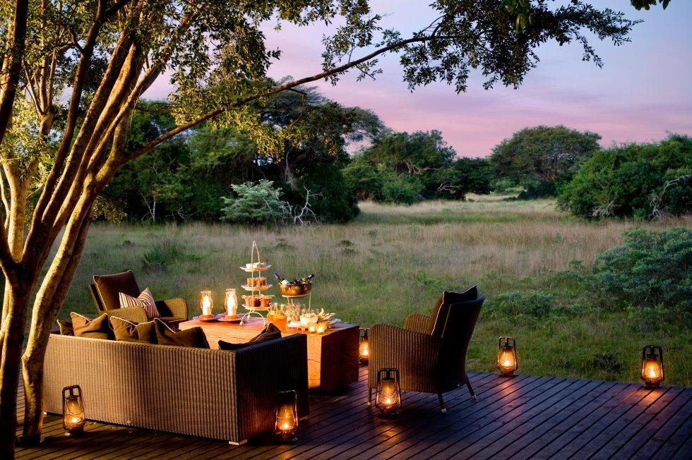 Zulú Zen es la atmósfera que dicen haber creado los diseñadores en las 16 suites de este refugio ecosostenible en la reserva sudafricana de su mismo nombre, hábitat de guepardos y otras especies salvajes que miman los cuidadores del parque en sus safaris fotográficos. KwaZulu Natal (Suráfrica). Teléfono: +27 63 369 0802. www.phindaforestlodge.com