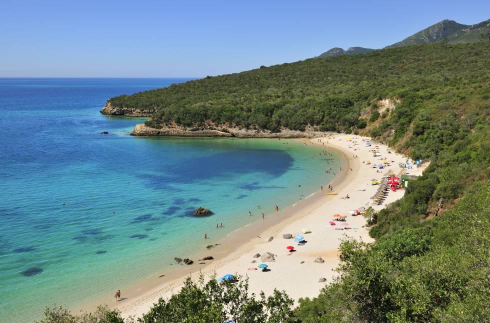14 Playas Tentadoras Muy Cerca De Lisboa El Viajero El País