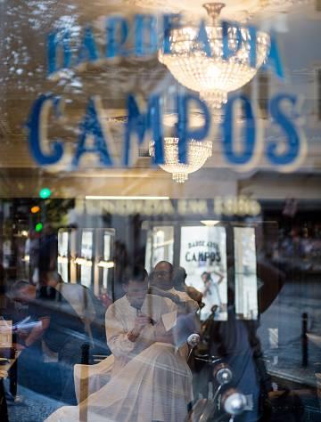 En la barbería Campos (1886) se afeitaba el escritor Eça de Queiroz y uno de sus clientes es el presidente portugués, Marcelo Rebelo de Sousa.