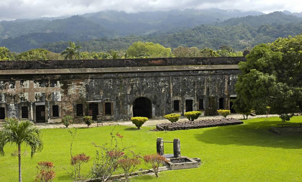 Fortaleza española de San Fernando, del siglo XVIII, en Omoa (Honduras).