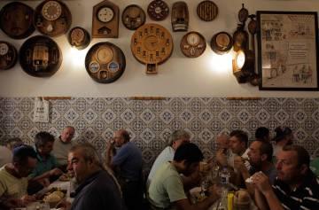 Interior del comedor de A Provinciana, en Lisboa.