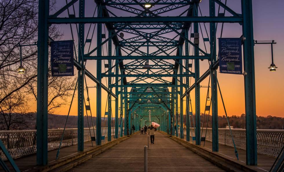 Puente sobre el río Tennessee, en Chattanooga.