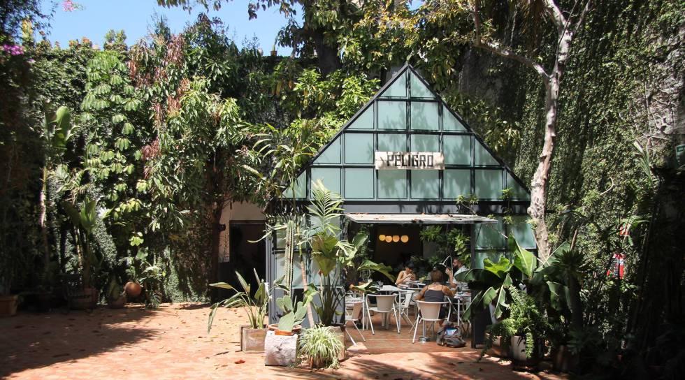 Café Peligro al Fondo, en Guadalajara (México).