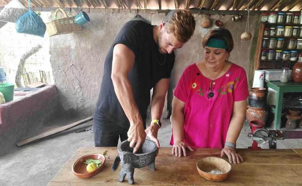 Cocinando en el rancho El Teuchiteco, en Jalisco (México)
