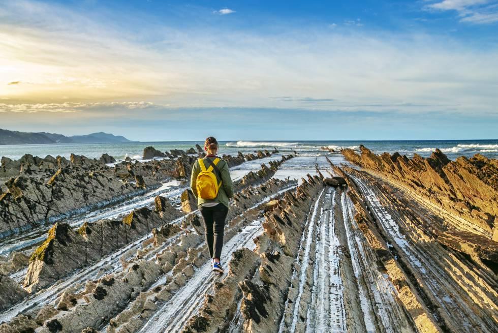 12 Alucinantes Paisajes De Mar Y Roca En La Costa Española El