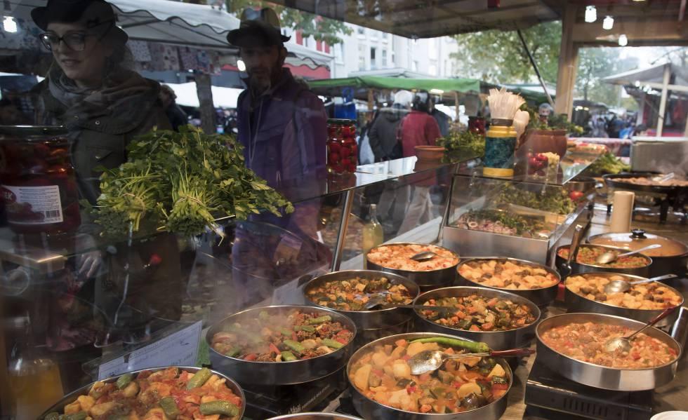 Puesto de comida en el mercado de Maybachufer, en el barrio de Kreuzberg.