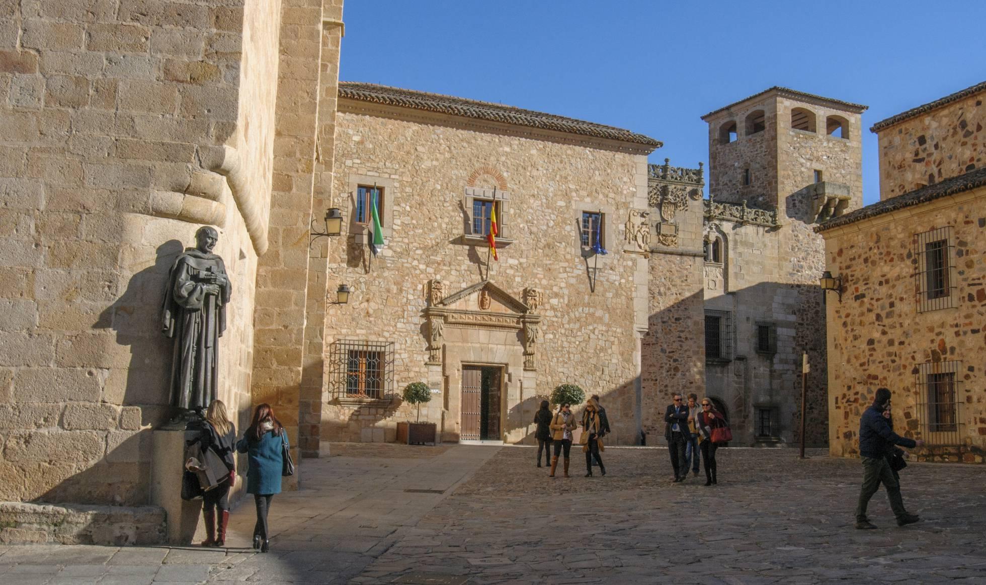 La plaza de Santa María de Cáceres.