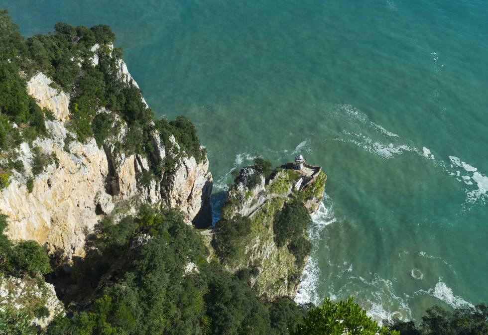 El Cantábrico desde el mítico monte Buciero