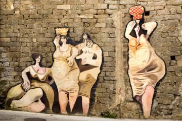 Pitture murali nella località di Orgosolo, in Sardegna.