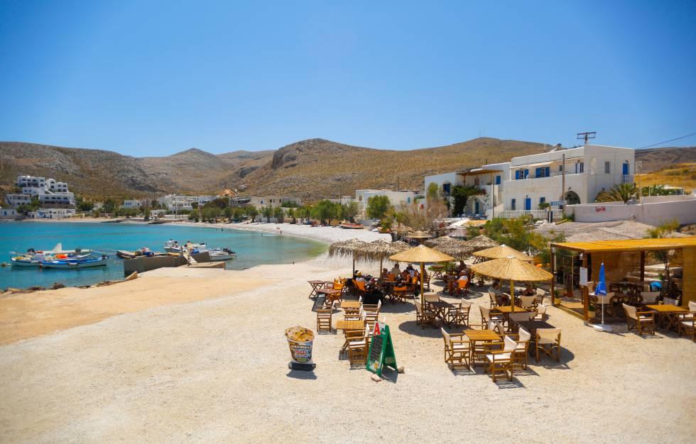 Terraza en la localidad de Karavostasi, en la isla griega de Folégandros.