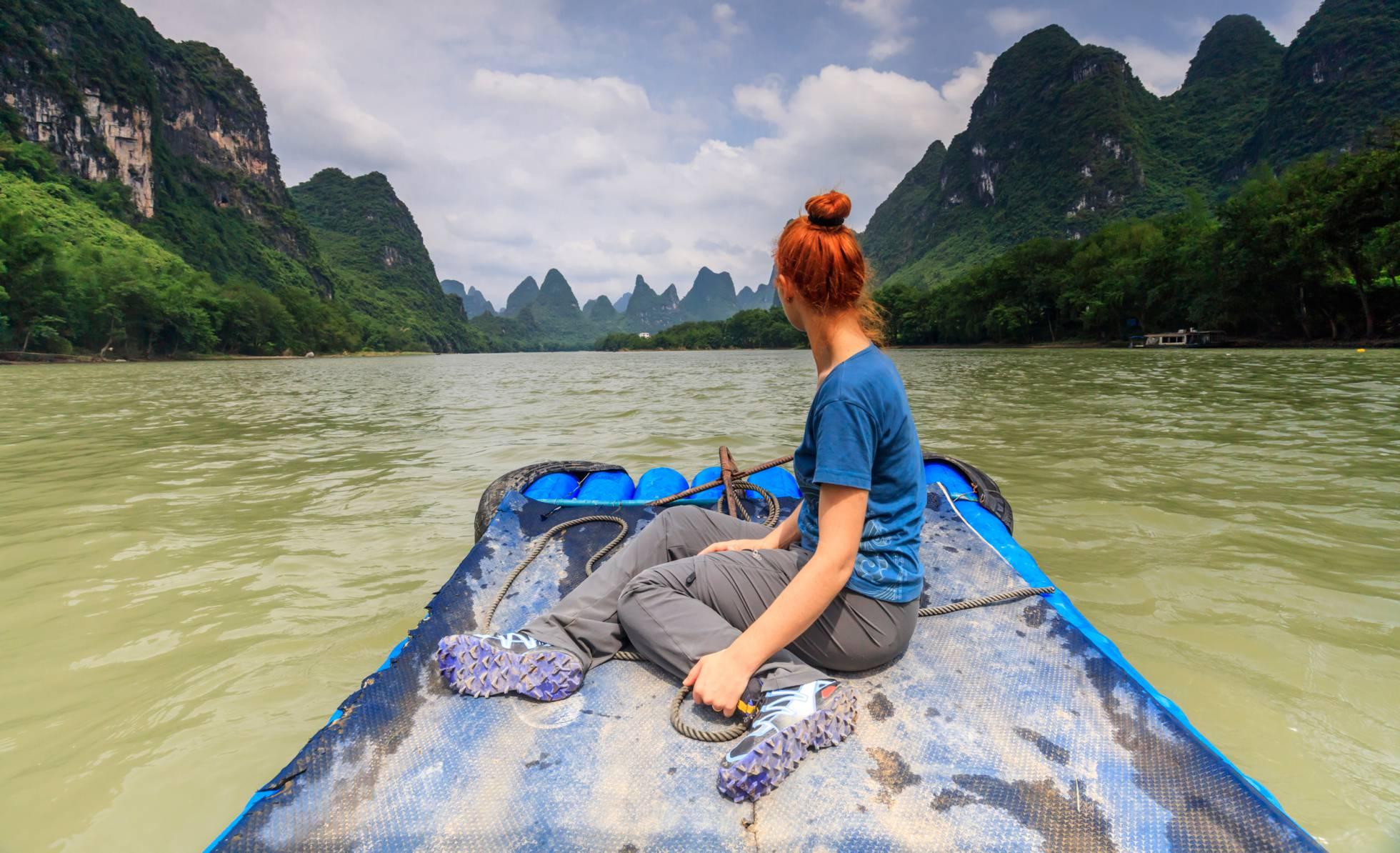 12 aventuras en barco y kayak entre paredes vertiginosas