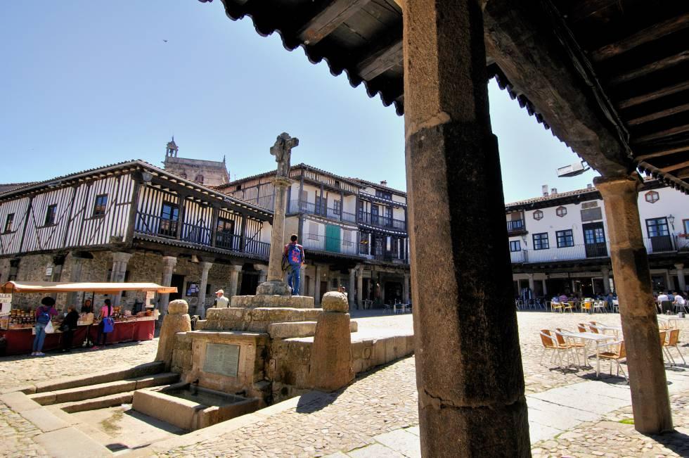 Plaza Mayor del pueblo salmantino de La Alberca (Castilla y León).