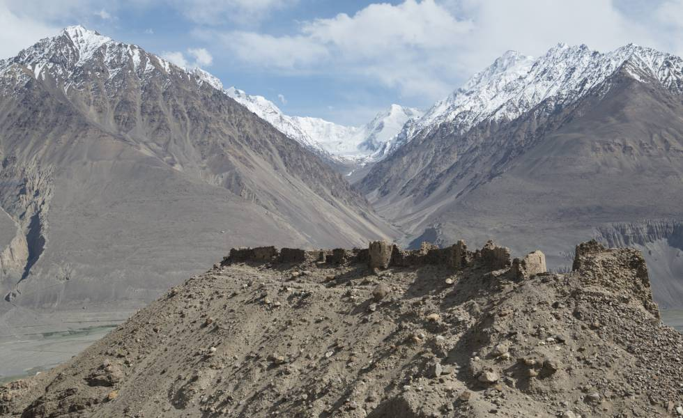 Fortaleza de Yamchun, original del siglo XII, en el valle del Wakhan (Tayikistán).