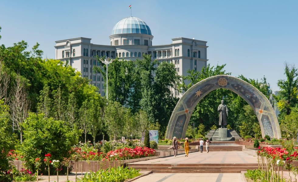 Parque de Rudaki, en Dusambé (Tayikistán).