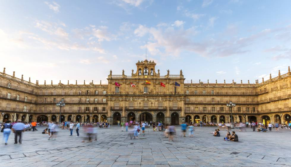 The Plaza Mayor in Salamanca cc33f76c2e51e